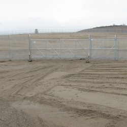 20-ft-wide-chainlink-cantilever-gate
