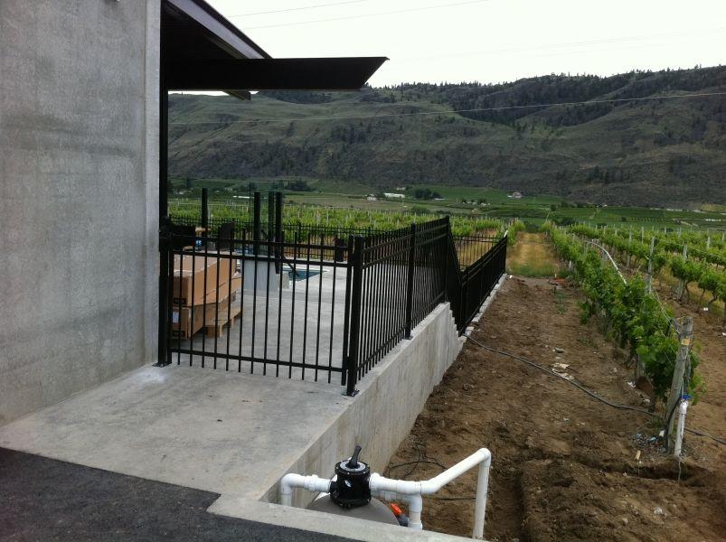4 ft high genesis fence penticton